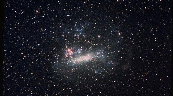 Galassie amiche ci accompagnano nel vuoto dell'universo